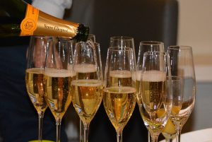 The 5 Things You Need To Know About Sparkling Wine